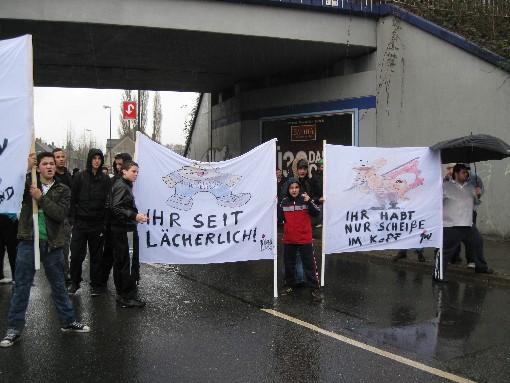 """""""Ihr habt nur Scheisse im Kopf"""" - Protest Jugendlicher gegen die Pro NRW in Essen-Katernberg"""