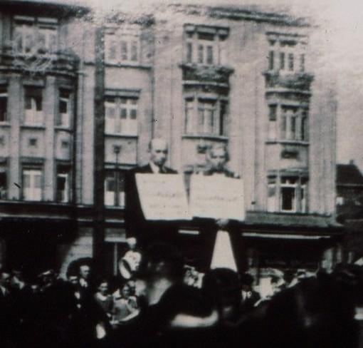 """Öffentliche Anprangerung eines Liebespaares 1935 in Gelsenkirchen wegen angeblicher """"Rassenschande"""""""