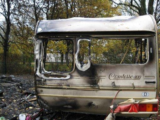 Brand im Winterquartier - Wohnwagen zerstört