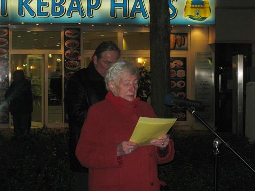 Marianne Konze spricht zum Holocaust-Gedenktag 2012 in Gelsenkirchen