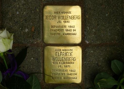 Stolpersteine erinnern in Gelsenkirchen an das nach Warschau deportierte Ehepaar Wollenberg