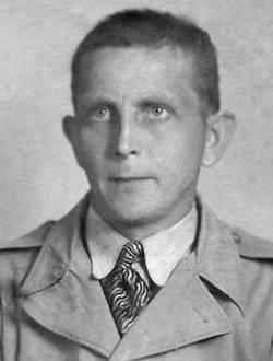 Ernst Papies, August 1945. Nach dem Ende der NS-Herrschaft wurde ihm jegliche