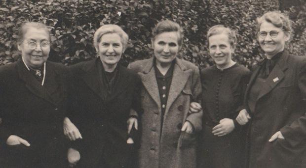 Frauen ermordeter Gelsenkirchener Widerstandskämpfer 1948 (v.l.n.r.) Auguste Frost, Anna Bukowski, Emma Rahkob, Änne Littek, Luise Eichenauer (Foto: Privat)